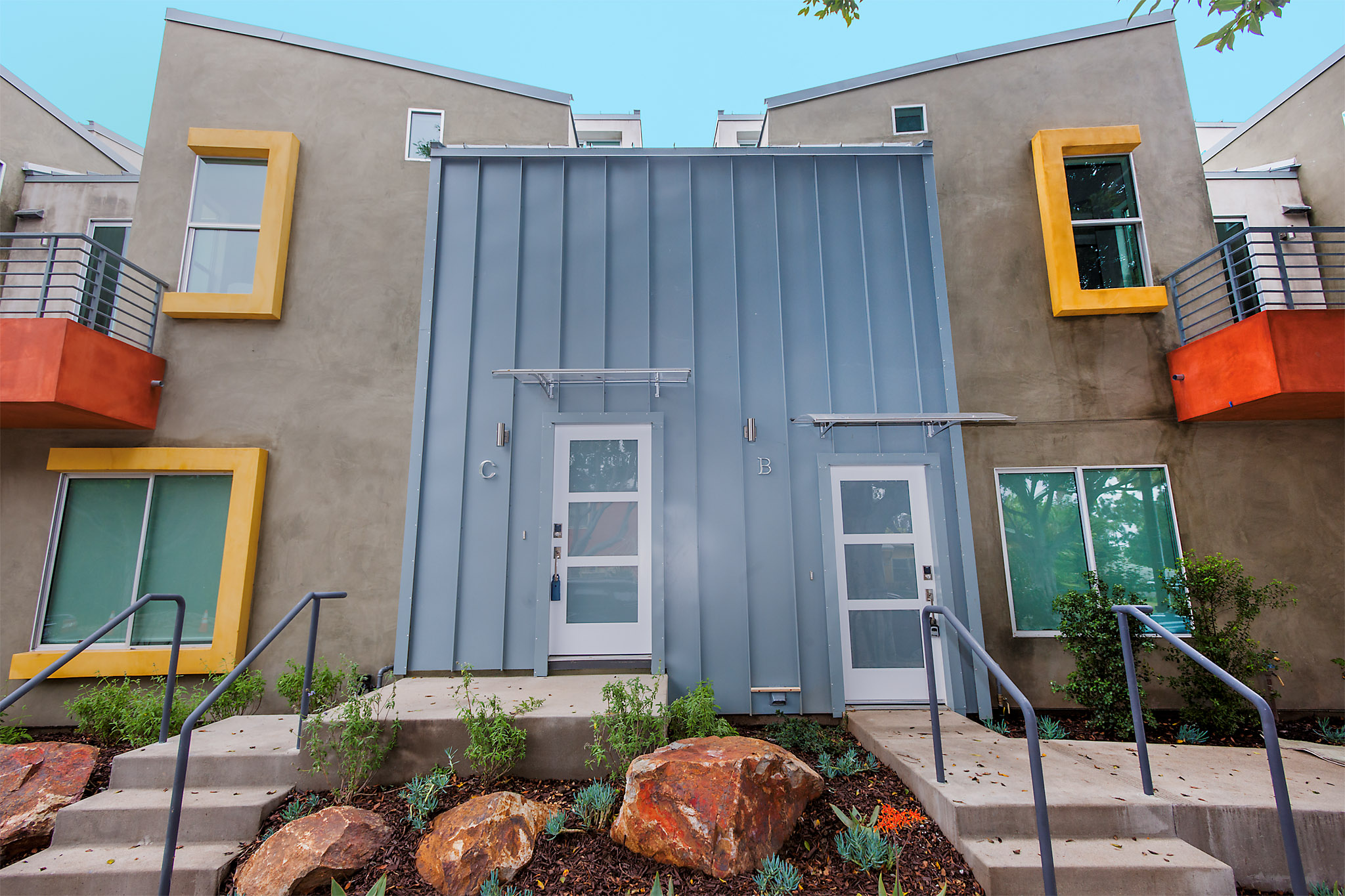 Standing Seam Metal Walls and Roof, Santa Monica